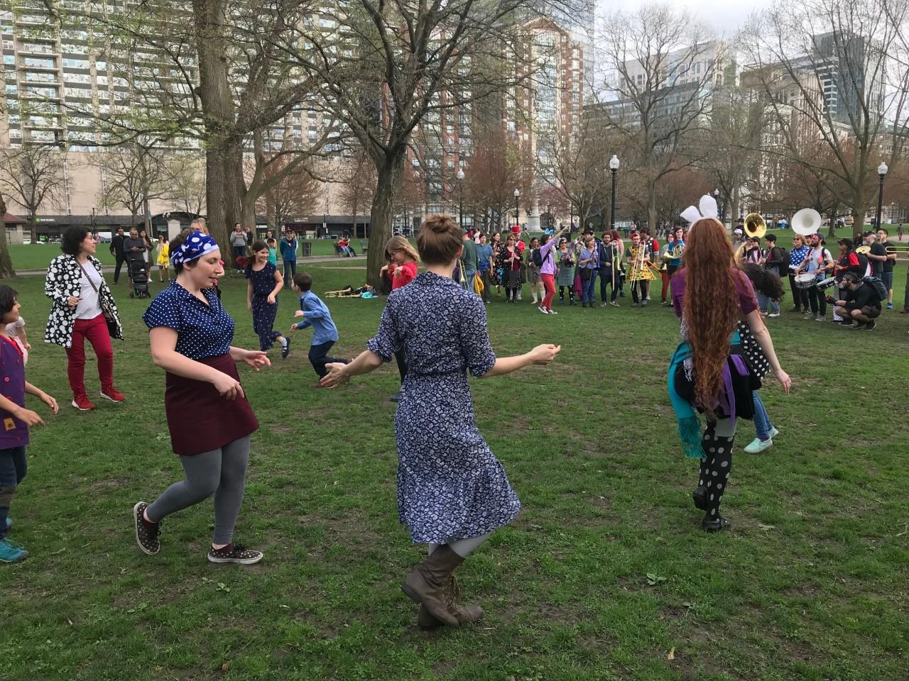 dancing on common 2.jpg