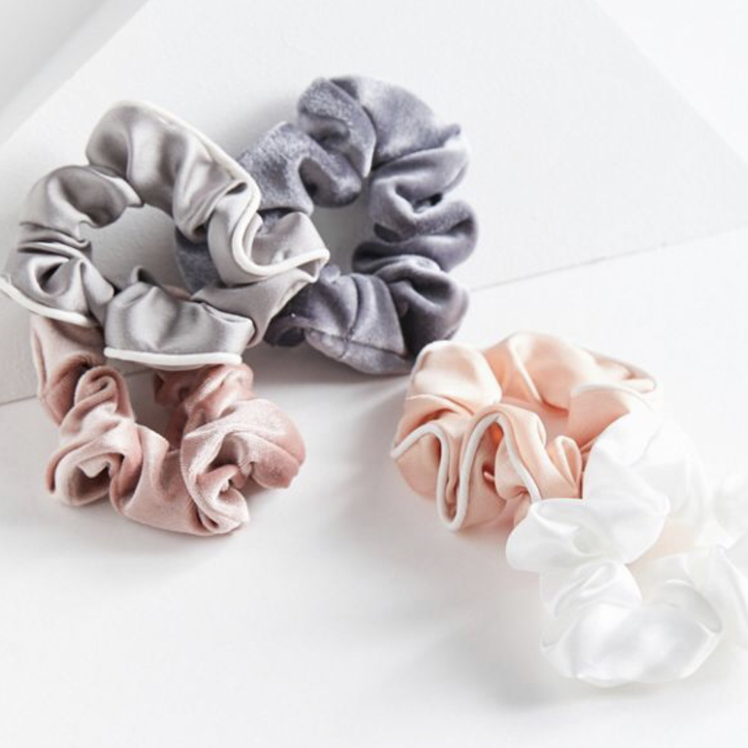 Days Of The Week Scrunchie Set - @urbanoutfitters $12