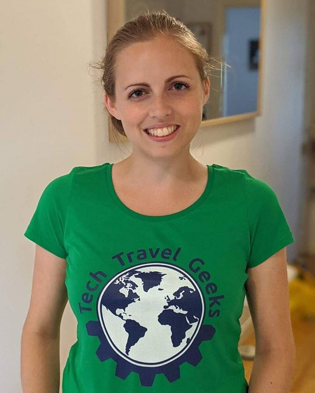 Did you know the Tech Travel Geeks Store also has some cool ladies t-shirts? Like this green comfort tee modelled by @candicesullivan . Ideal for comfortable travel and showing off how cool you are by supporting the @techtravelgeeks . #tshirt #fashion #green #merchandise #TechTravelGeeks #ShotOnAndroid
