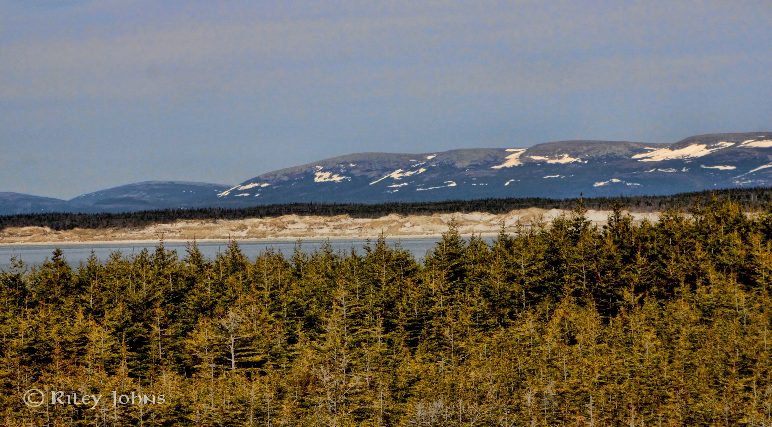 A view across to even more dunes!
