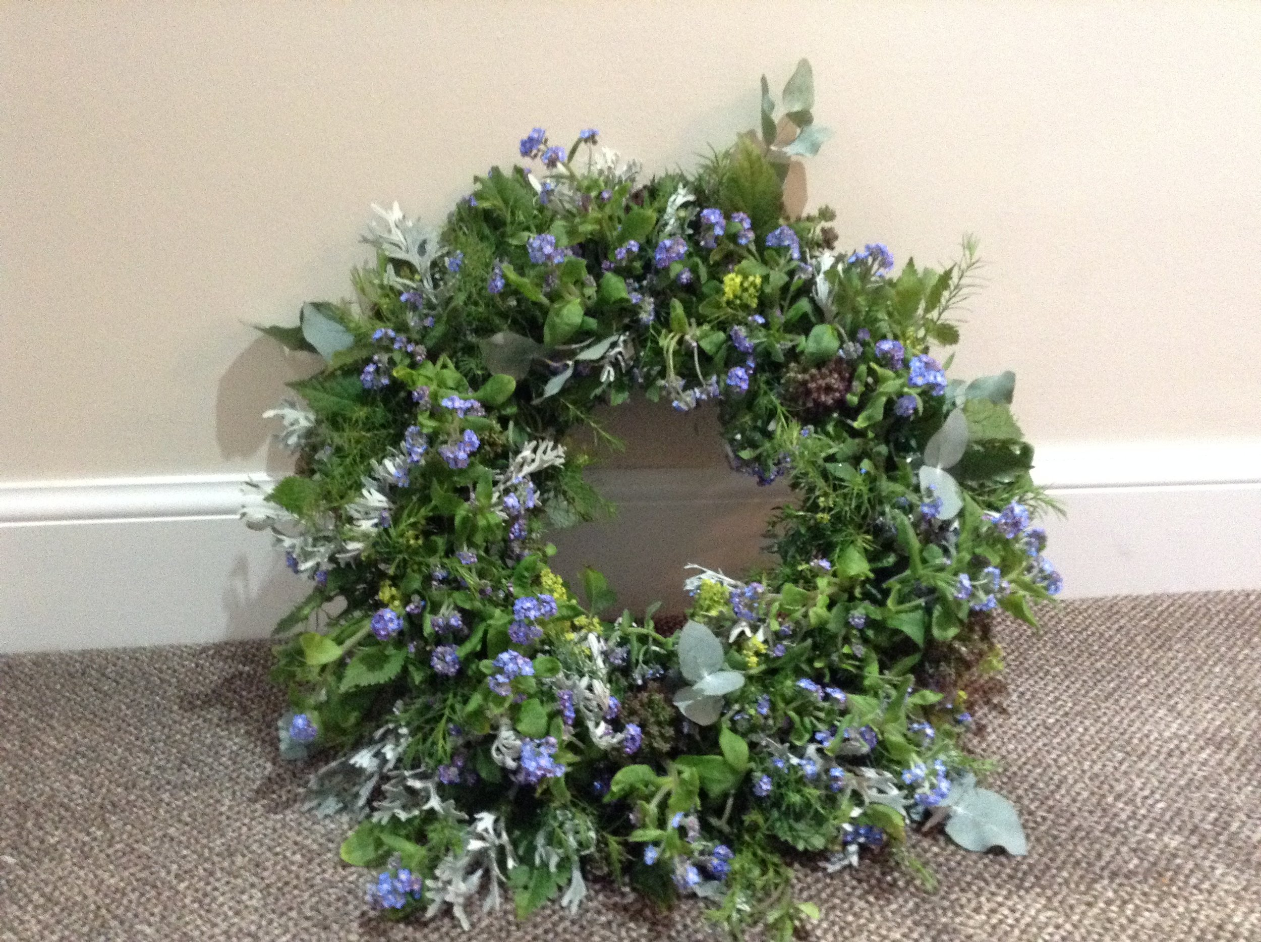 forgetme not wreath.JPG