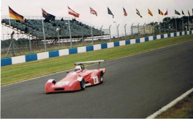 1992 MK30 - Supersports Vauxhall and Sports 1600 car: a development of the MK29. The engine was moved back by 36mm and the battery was moved to the right pod. Stiffened front suspension (including anti-droop front wishbones), quick change anti-roll bars and carbon fibre wings were all features. Torsional rigidity now up to 5000 ftlbs per deg for unpanelled chassis.