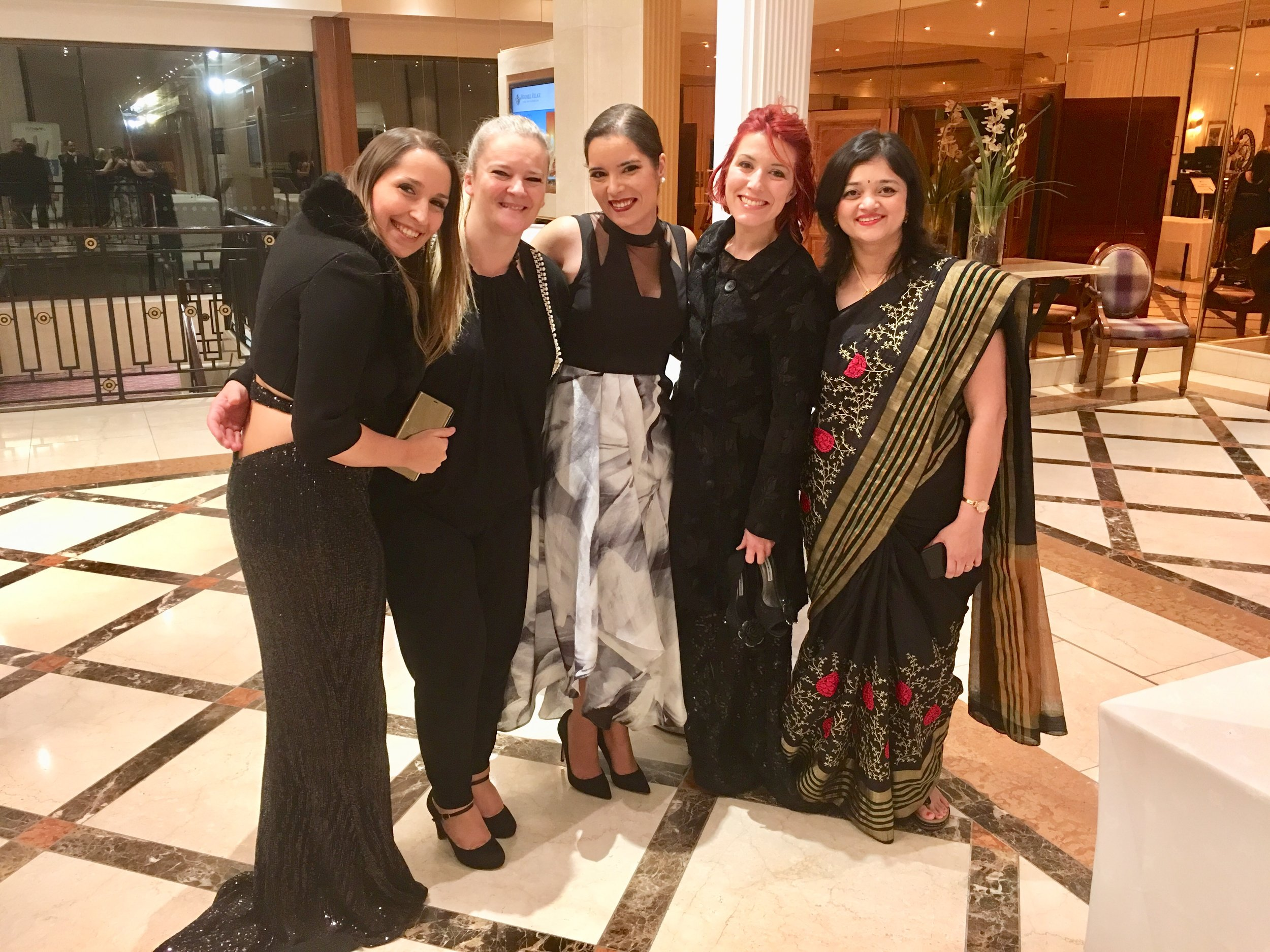 Sophia Fox, Ana Remígio, Isabel Tamargo, Ashwini Sarabhai