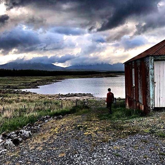 NEW | EXPEDITION POWER&PROGRESS SCOTLAND Ben je voortdurend op snelheid, maar is stilstaan er vaak niet bij? Wil je wel, maar heb je niet de ruimte en tijd om de stappen te zetten die nodig zijn om meer impact te maken? Van 16 t/m 21 september vertrekken we op een stoere uitdagende expeditie naar het adembenemende Schotland!  Dit is de reis waarin je aan jezelf werkt, stilstaat bij waar je nu staat en met kracht jouw pad van de toekomst vormt. Een pad dat je uitdaagt om de beste versie van jezelf te zijn, waarin je een leven en bedrijf creëert, waar je naar op zoek bent. We creëren een omgeving waarin je je opnieuw met jezelf kunt verbinden, kunt groeien en transformeren. Waardoor je in ultieme vrijheid het leven kunt leven en meer impact gaat maken in deze maatschappij.  Ben jij ondernemer, manager, CEO, of sta je op een kruispunt en weet je niet waar je heen wil? Kun jij een recharge gebruiken, om weer fris de toekomst in te gaan? Of wil je eens wat anders in het leven dan een strandbedje?  Voor meer informatie kun je mij een PB sturen. Inschrijving mogelijk tot 1 september.  BOOSTcoaches die meegaan: Rosanne en Chris  Krachtige groet, Rosanne  #expedition #power #progress #leadership #entrepreneurs #avonturier #adventure #scotland #highland #nature #thinkbig #grow #connection