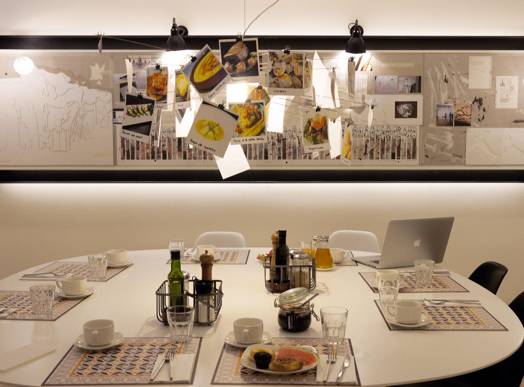 Pol&Grace-mesa-desayuno.jpg