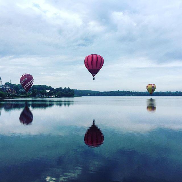 Today we meet with Birstonas🎈🇱🇹❤️#lithuania #orobalionai #travelblogger #hotairballoon #pramogosore #burbulasskrenda #skrydisorobalionu #zarasai