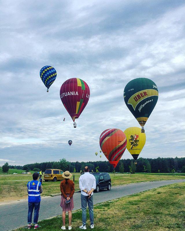 Oh, summer 🎈❤️😘👌 #lithuania #orobalionai #hotairballoon #airballoon #pramogosore #burbulasskrenda #birstonas #lietuva #skrydisorobalionu #dreamteam #summer