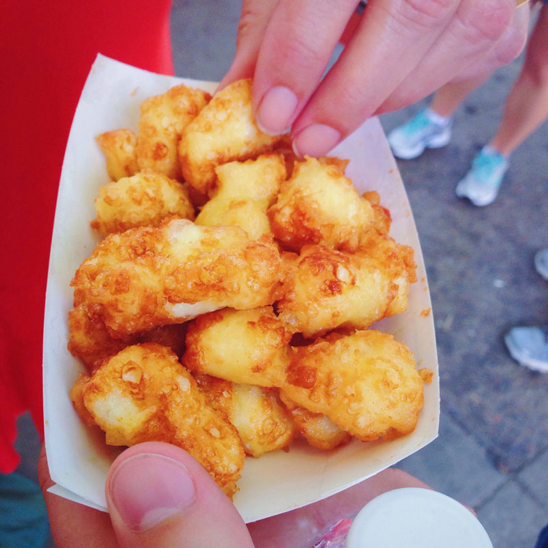 What a day. Everyone has their go-to foods at the fair, it is a very personal matter. Literally, within five minutes we were able to knock the three most important items off our list. Obviously I am talking about the cheese curds, the fresh corn dunked in a vat of butter, and the famous Sweet Martha's cookies- how lucky that each stand was within ten feet of one another. Moving on. My mother devoured a custard ice cream, which is an infinitely richer, creamier and thus more satisfying version of regular ice cream. Stefan obtained a foot long hot dog and Hope went for her usual of sausage with marinara and garlic bread.