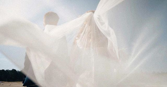 💍💐 |  Volg ons op Insta & check onze website voor de nieuwste trouwfilms! ✨ . . . Gaan jullie binnenkort trouwen? Kijk dan op www.twodayfilms.nl voor alle trouwfilm mogelijkheden. . . . . . #weddingfilms #twoday #trouwen #wedding #love #marriage #married