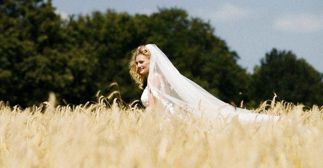 💍💐 |  Bekijk de trouwfilm van Lesley & Inge op onze website! . . Gaan jullie binnenkort trouwen? Kijk dan op www.twodayfilms.nl voor alle trouwfilm mogelijkheden. . . . . . #weddingfilms #twoday #trouwen #wedding #love #marriage #married