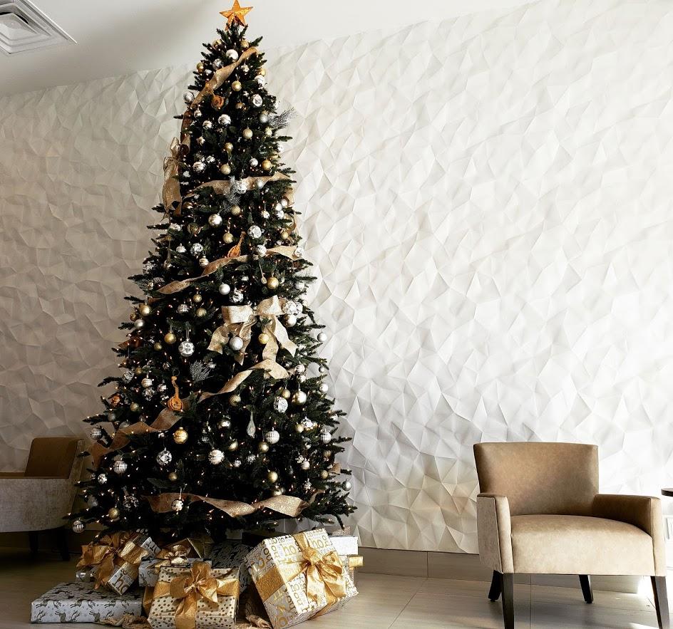 Hyatt Place Christmas Tree Installation* - Hyatt Place Pasadena | Pasadena, CADecember 18, 2018