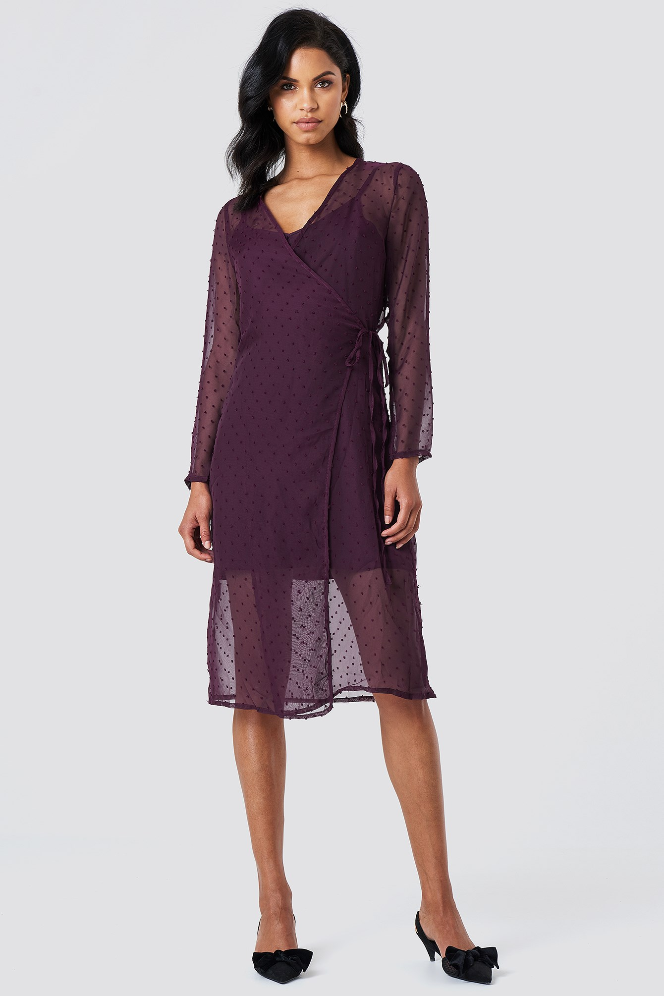 NA-KD: Swiss Dot Wrap Dress
