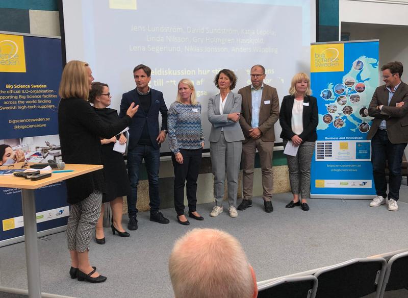 Engagerande paneldiskussion om hur aktörer från regionens näringslivsutvecklare kan stötta företagen att göra affärer med internationella forskningsanläggningar med representanter från Arctic Business Incubator, Region Norrbotten, Norrlandsfonden, Norrbottens Handelskammare, LTU Business, Invest in Norrbotten, Almi Nord och IUC Nord.