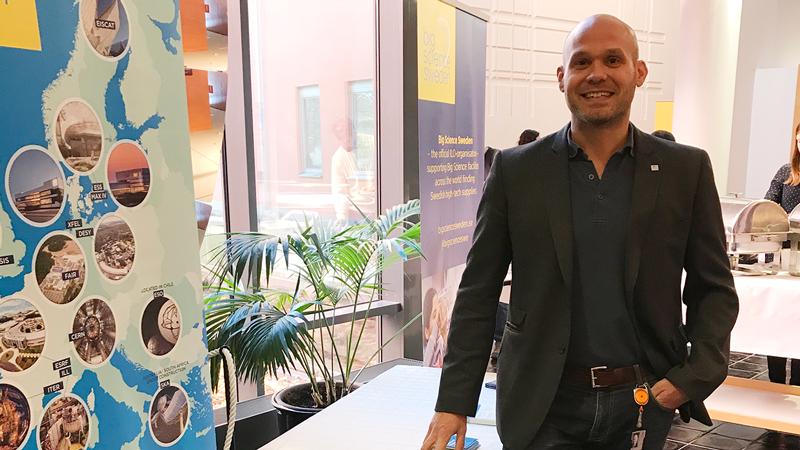 – Det var en dag full av intressanta möten och diskussioner. Det är också en utmärkt kanal för oss på Big Science Sweden att berätta hur vi kan stödja företag i att svara på upphandlingar gällande avancerad utrustning och kvalificerade tekniktjänster från big science-anläggningar, säger Fredrik Engelmark affärsutvecklare på Big Science Sweden.