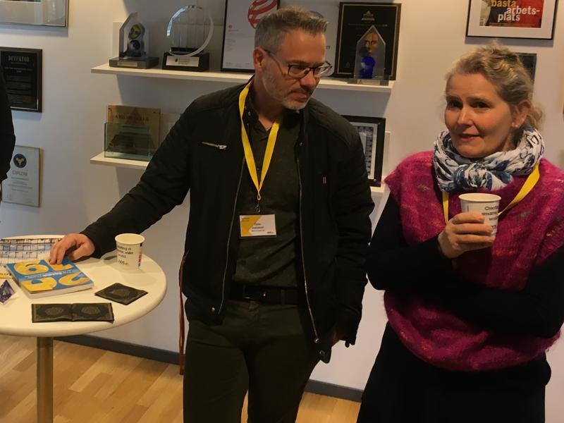 Örjan Dahlstedt från Mikroponent hade tagit sig ner ända från Värnamo för att gå på Big Science Morning. Här i samtal med Cajsa Fredlund, Big Science Sweden.