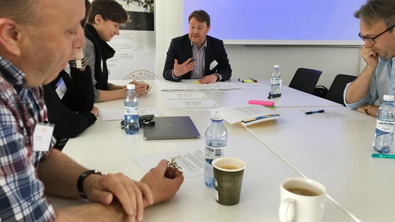 Dirk Rudolph, Ekaterina Osipova, Martin Stankovski och David Silvermyr inbegripna i en diskussion.