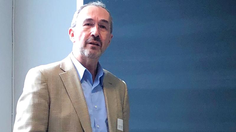 Acceleratorteknik från Big Science är mycket viktig i utveckling av medicinska behandlingsmetoder. Supraledande teknik kan sänka doser av strålning vid tumörbehandling, berättade Hermann Dürr, professor vid Uppsala universitet.