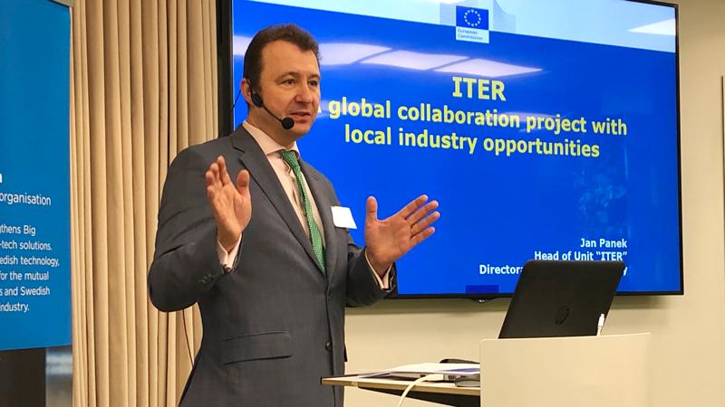 Jan Panek, chef för enheten ITER, och för generaldirektoratet för energi inom Europeiska kommissionen, gav en övergripande bild av samarbetet kring ITER.