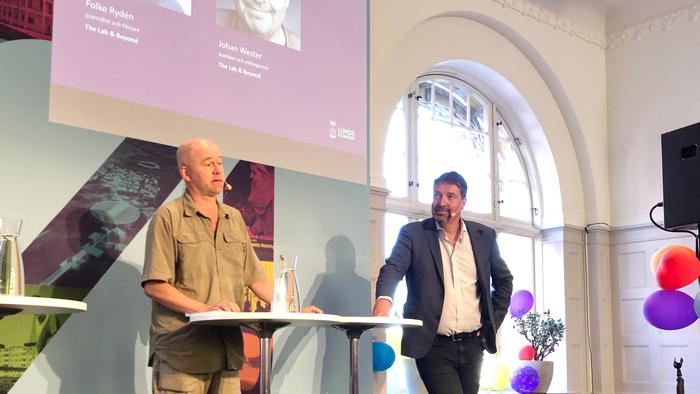 TV-profilerna Folke Rydén och Johan Wester  lanserar projektet The Lab & Beyond på Almedalen, som ska ge 100 nya idéer kring forskning, stadsutveckling, media och kultur. Målet är att ta tillvara på alla de möjligheter som föds runt forskningsanläggningarna MAX IV och ESS i Lund.