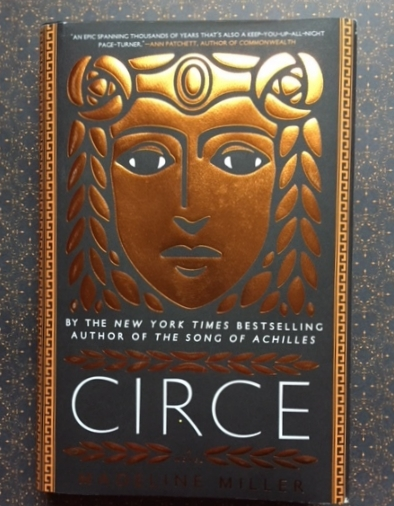 The amazing cover for Circe by Madeline Miller.