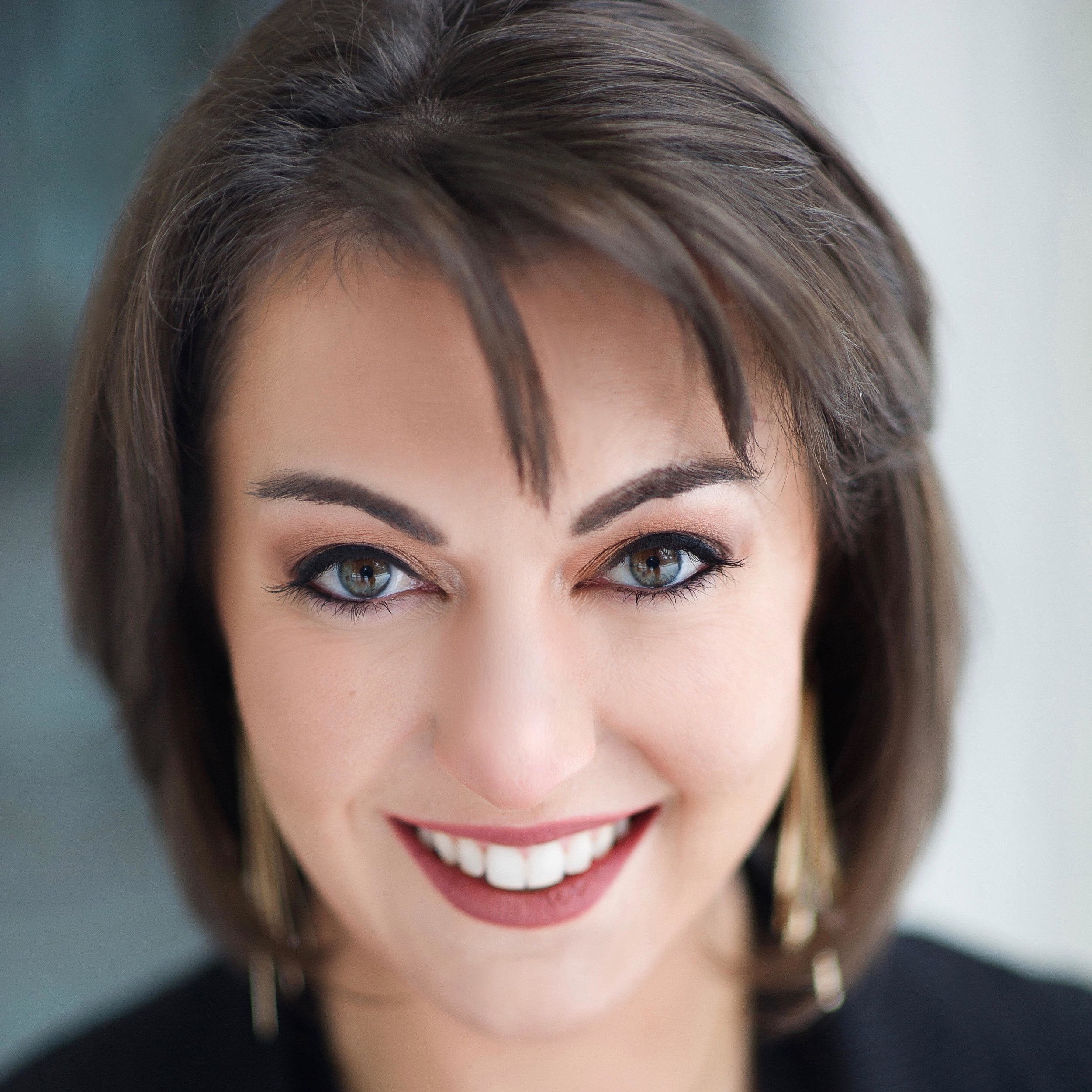 Kim Leeds, mezzo-soprano