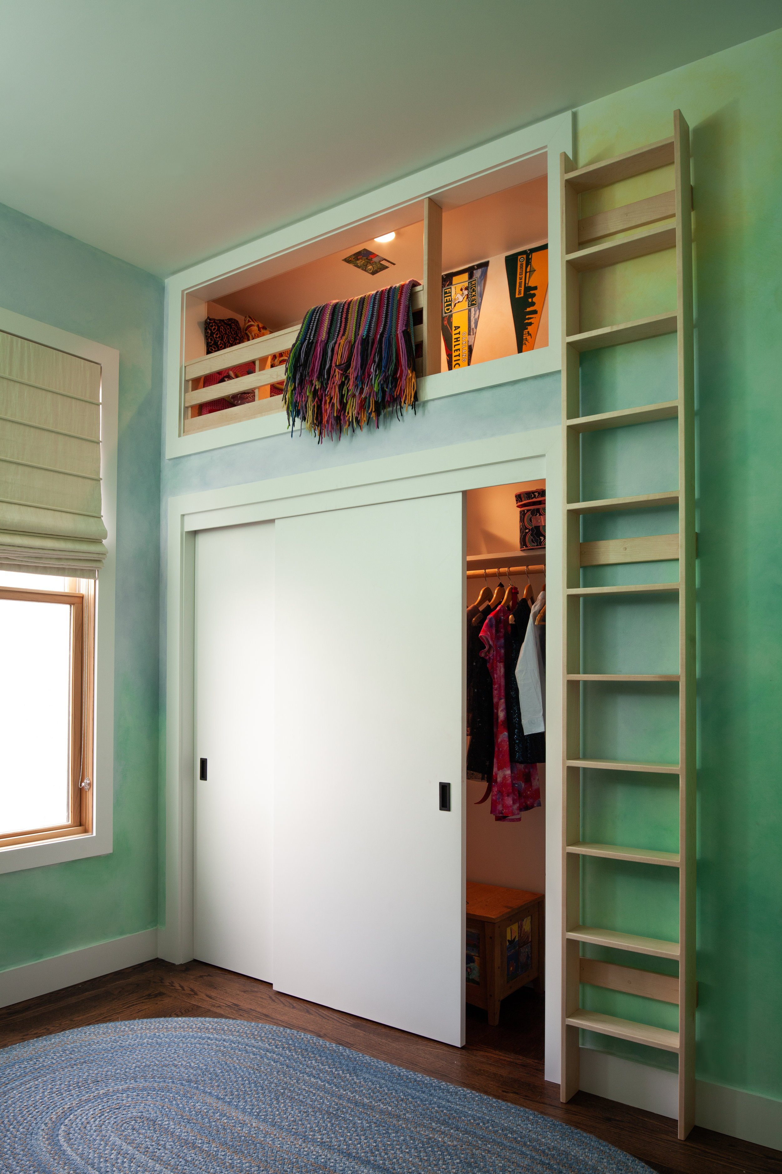 Craig reworked the kids' bedrooms and added reading nooks reminiscent of a tree house.