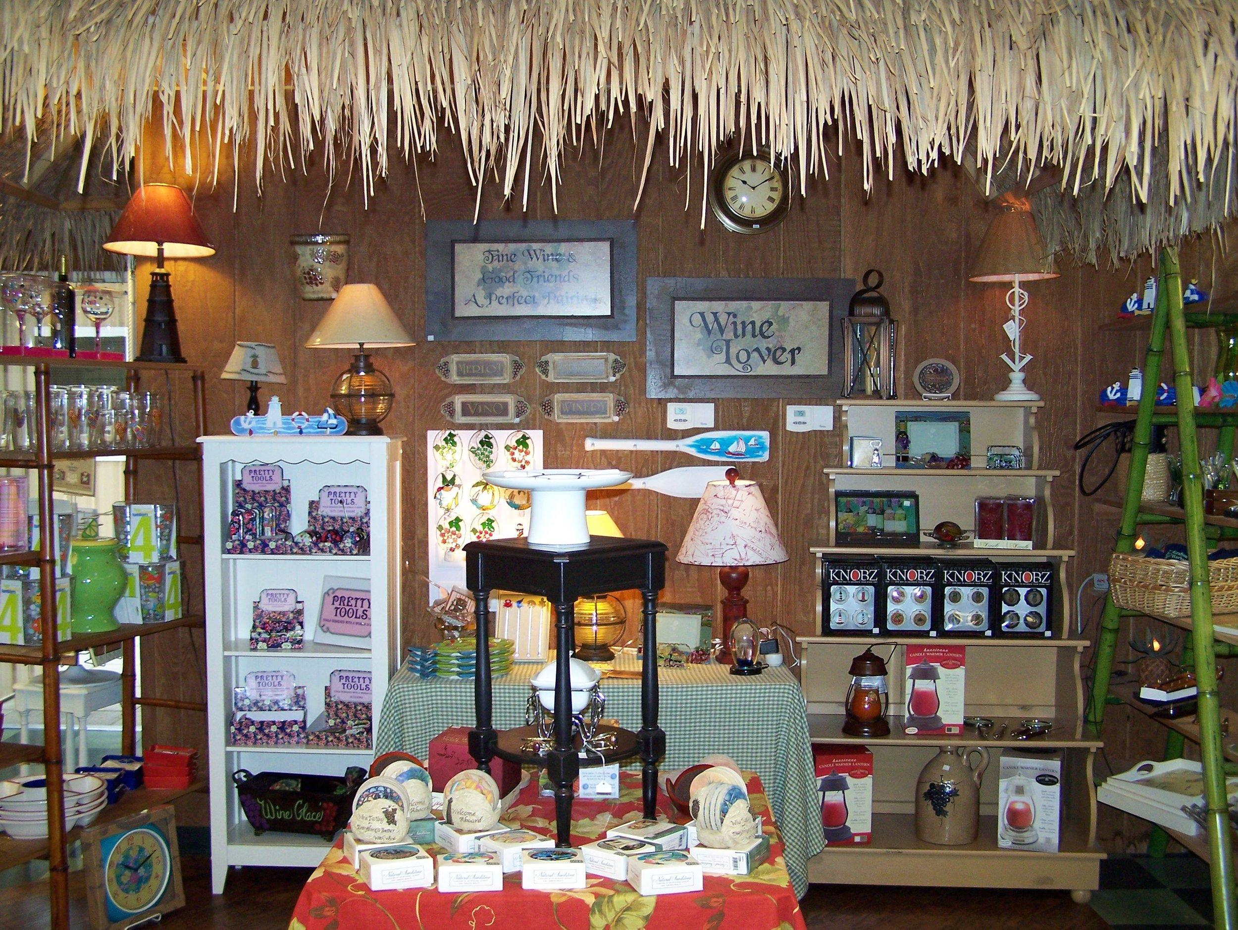 gift shop 107_1500.JPG