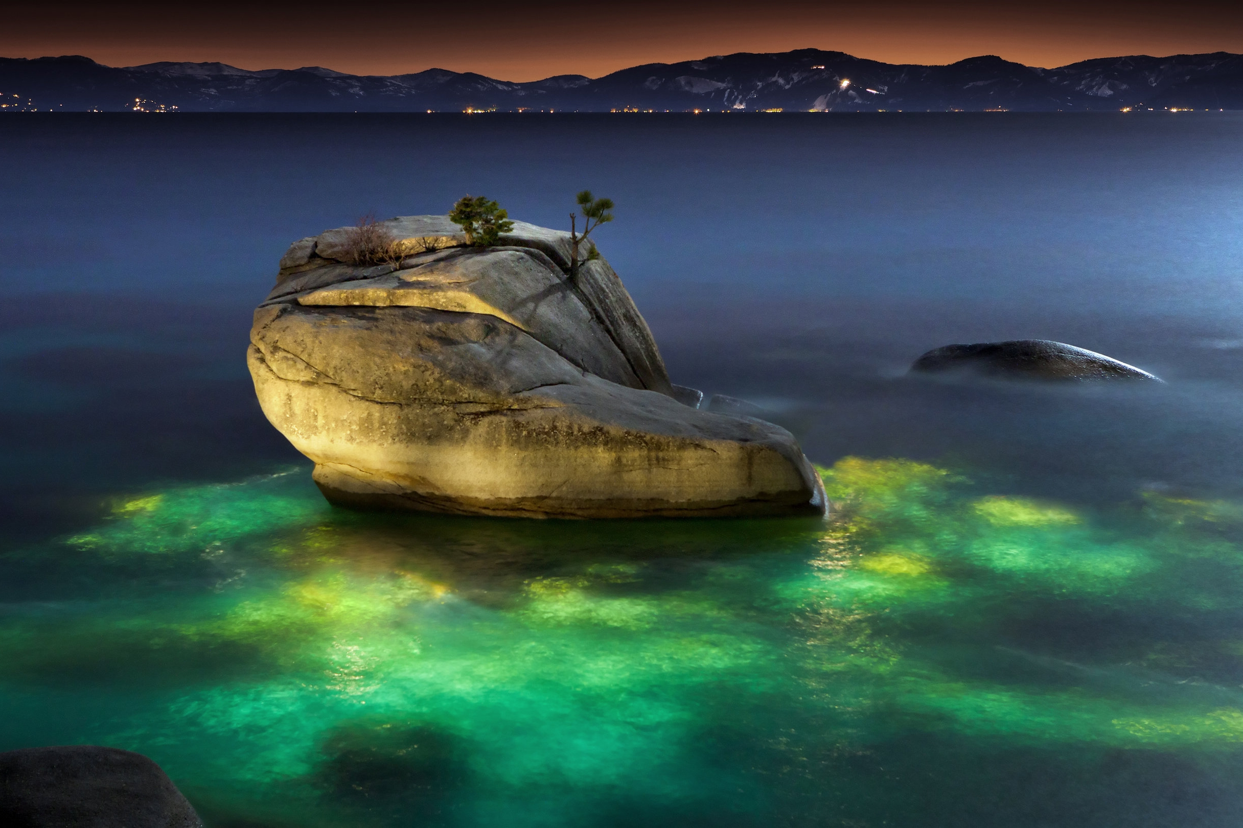Bonsai_rock_lake_tahoe_.jpg