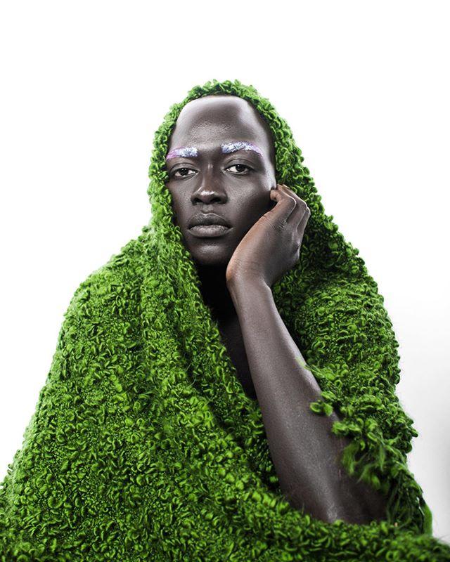 💚 @gatkong  Photographer @molliepie  MUA @asunniconcept_ . . . . . #mobilemag #creative_portraits #aov #bravogreatphoto #of2humans #ourportraitdays #Xelfies #earth_portraits #kdpeoplegallery #portrait #musephoto #immaginory #gramkilla #model #portraitvision #bhm #createcommune #peoplescreatives #torontovideographer #cultureinmotion #torontophotographer #streetdreamsmag