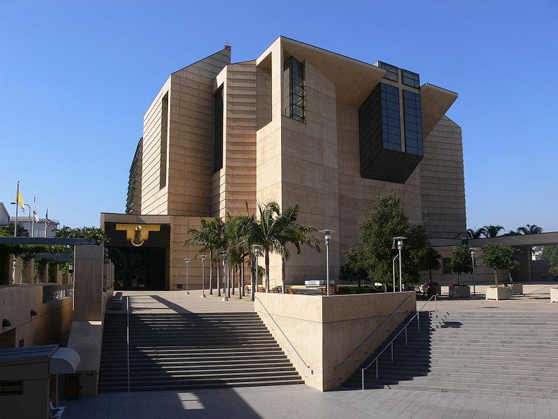 LA_Cathedral_exterior_1.jpg