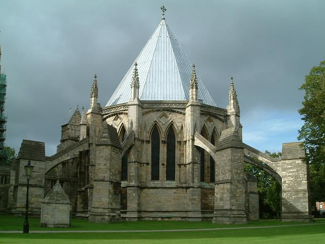 Lincoln_cathedral_chapterhouse.JPG