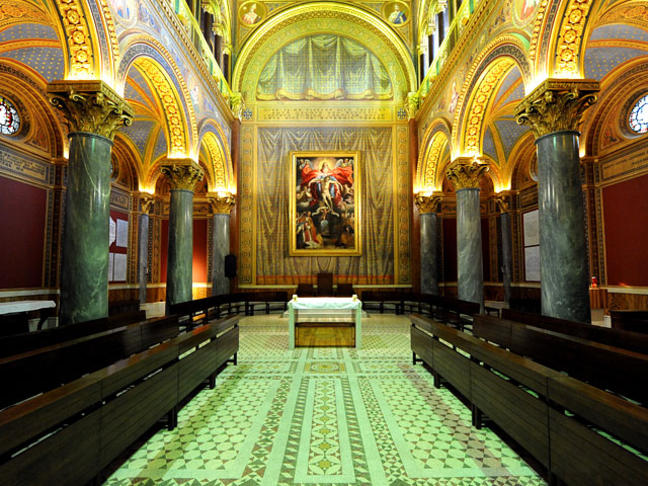 The-Chapel-at-the-Venerable-English-College-Rome_large.jpg
