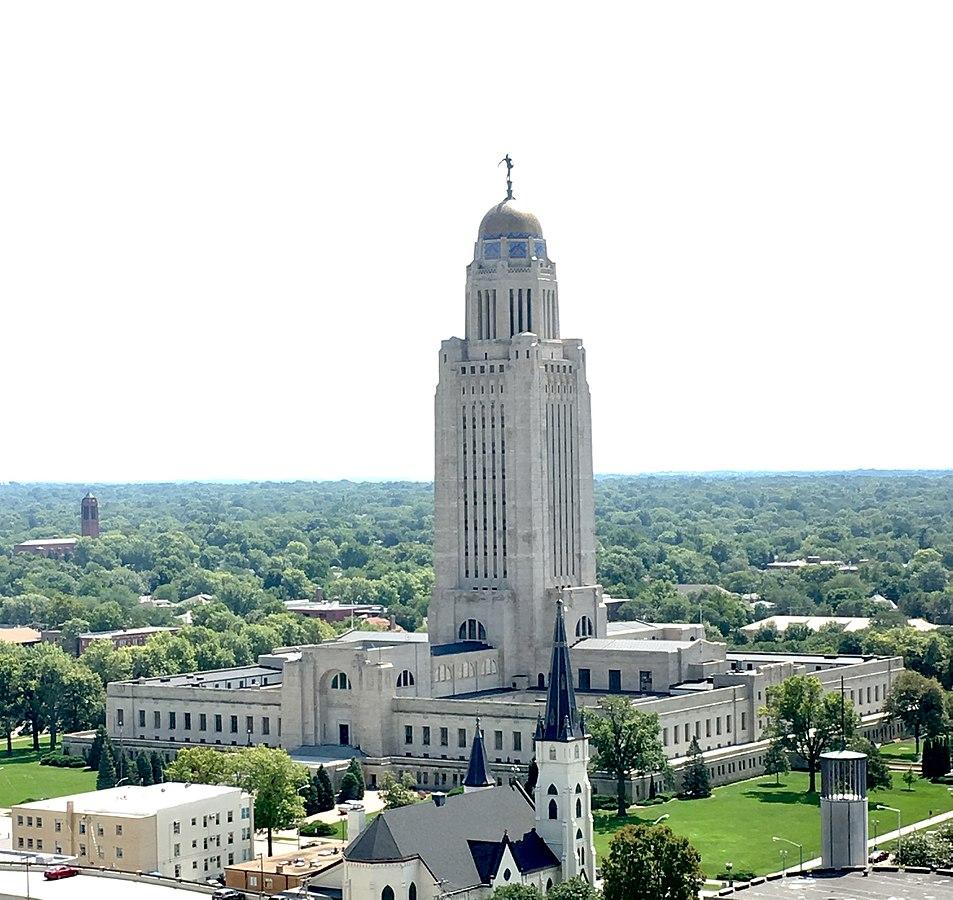 953px-Nebraska_State_Capitol_aerial.jpg