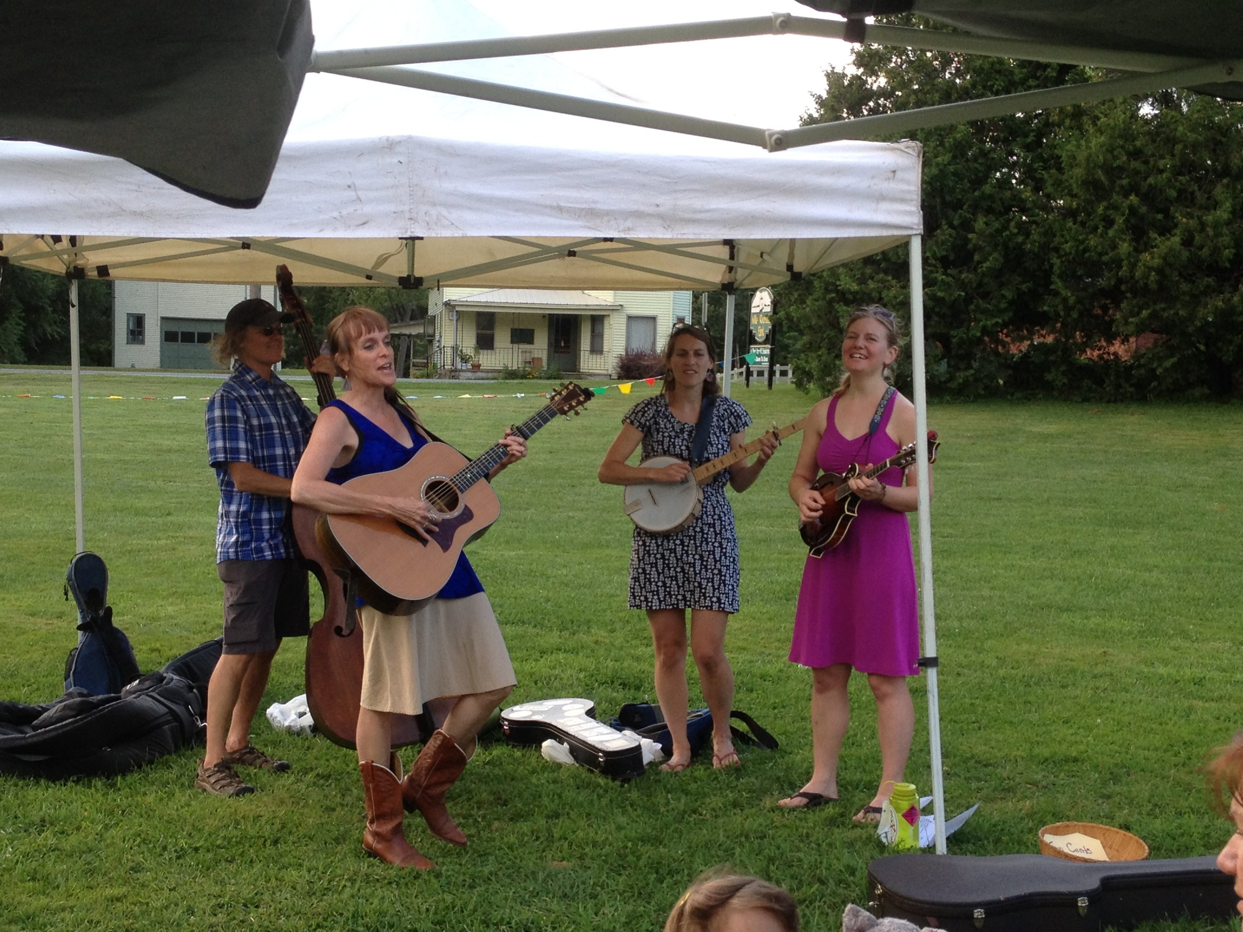 Music at the Market - Our popular Music at the Market program creates a festive community atmosphere.Enjoy a picnic of some fresh market produce or prepared food from our vendors and listen to some music while you visit with friends and neighbors!