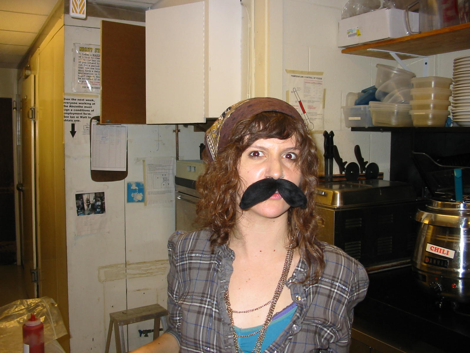 Movember girls 004.JPG