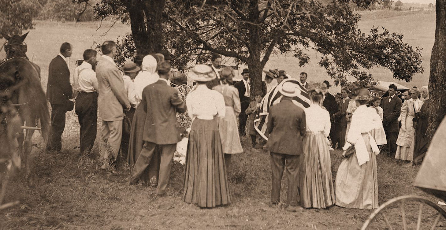 Dedication by SCHS in 1909