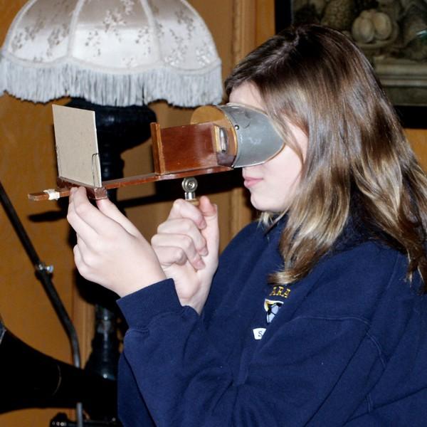 Stereoscope color.jpg