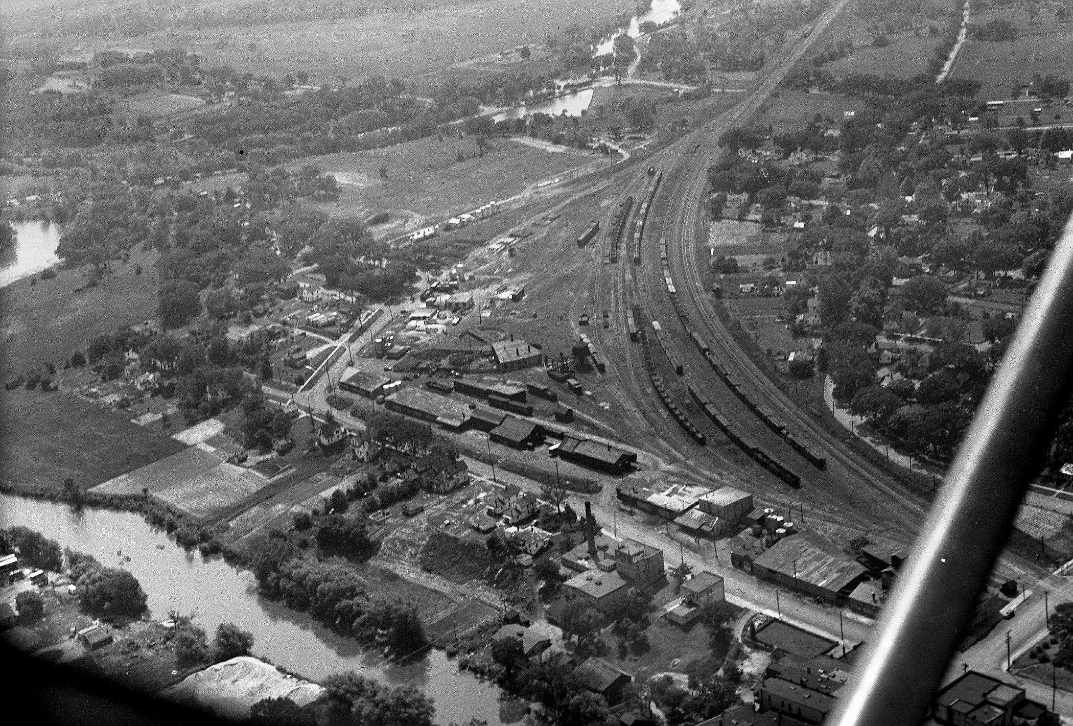 Ron Rich/SCHS Photo ca. 1945 - Railroad Yard