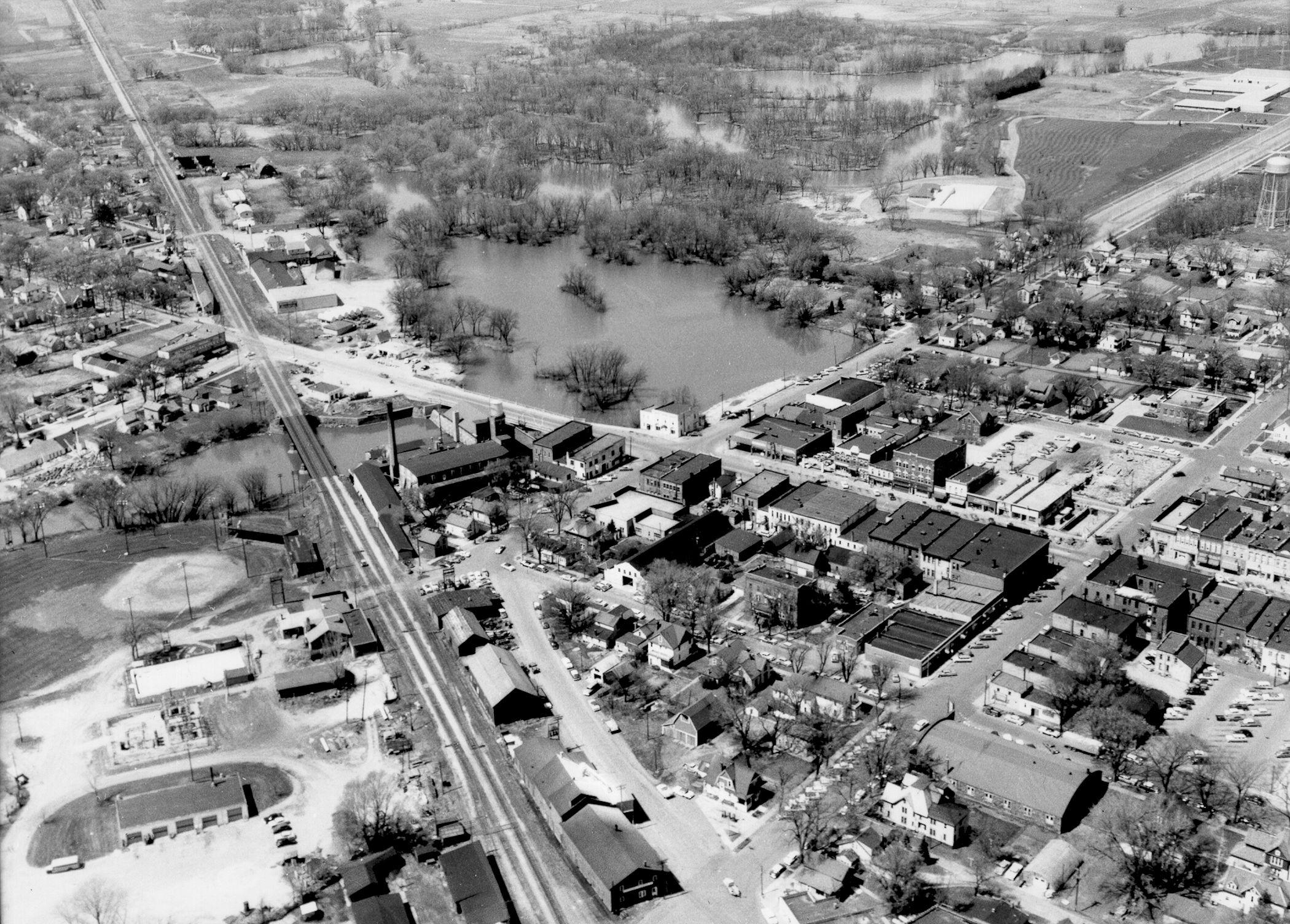 1958 Woolen Mill, Center