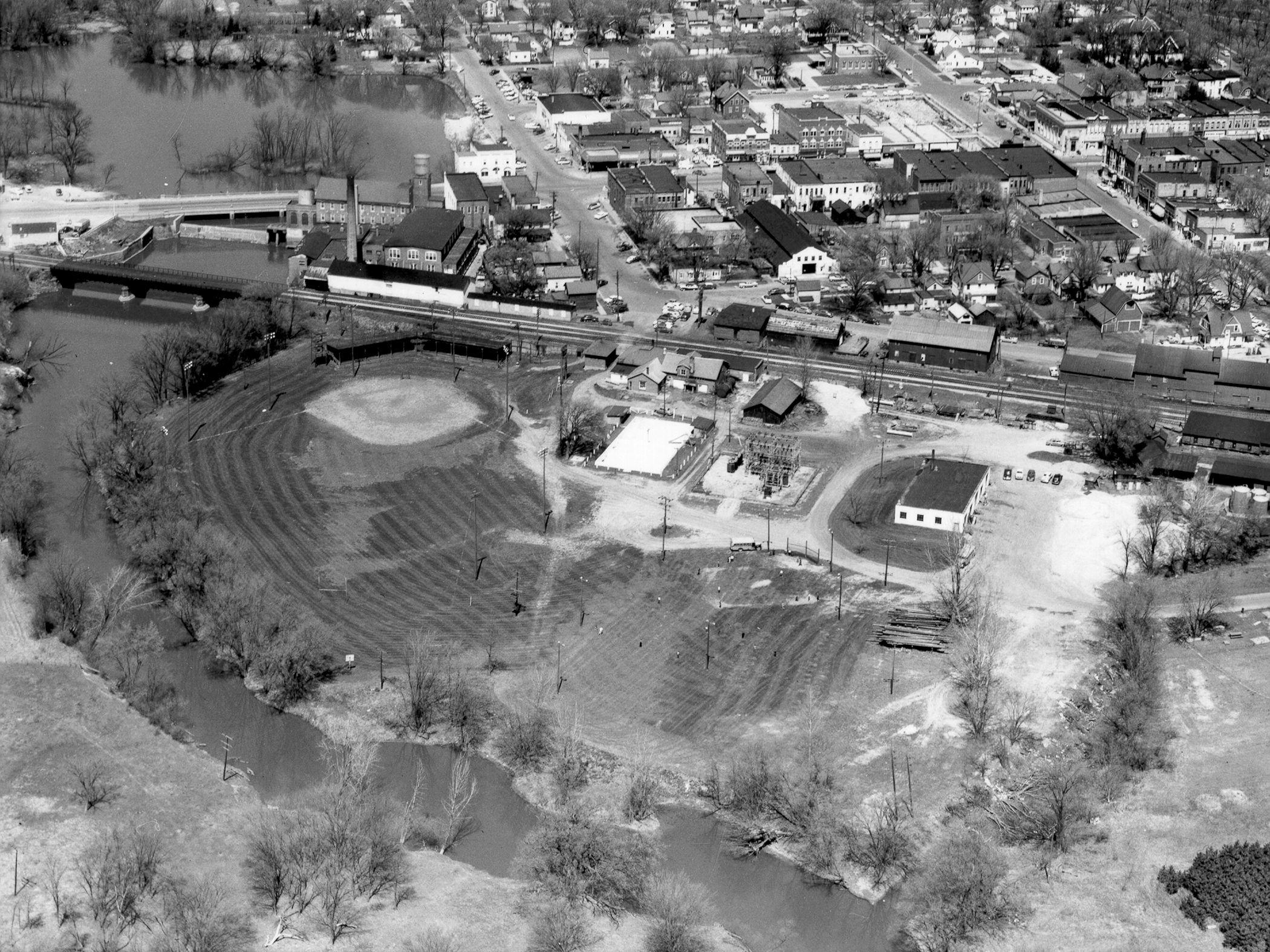 1958 - Ball Diamond, left