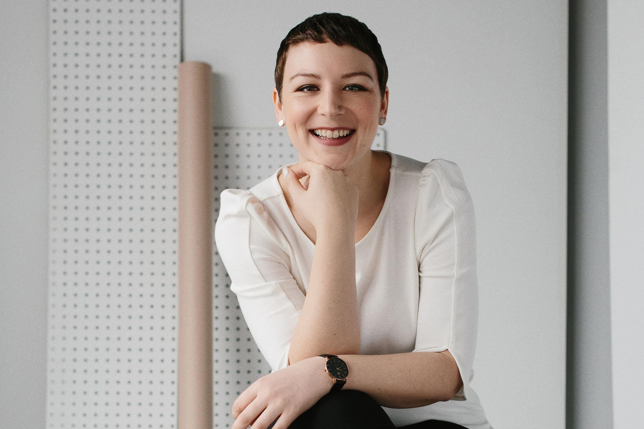 Laura-Main-Photo.jpg
