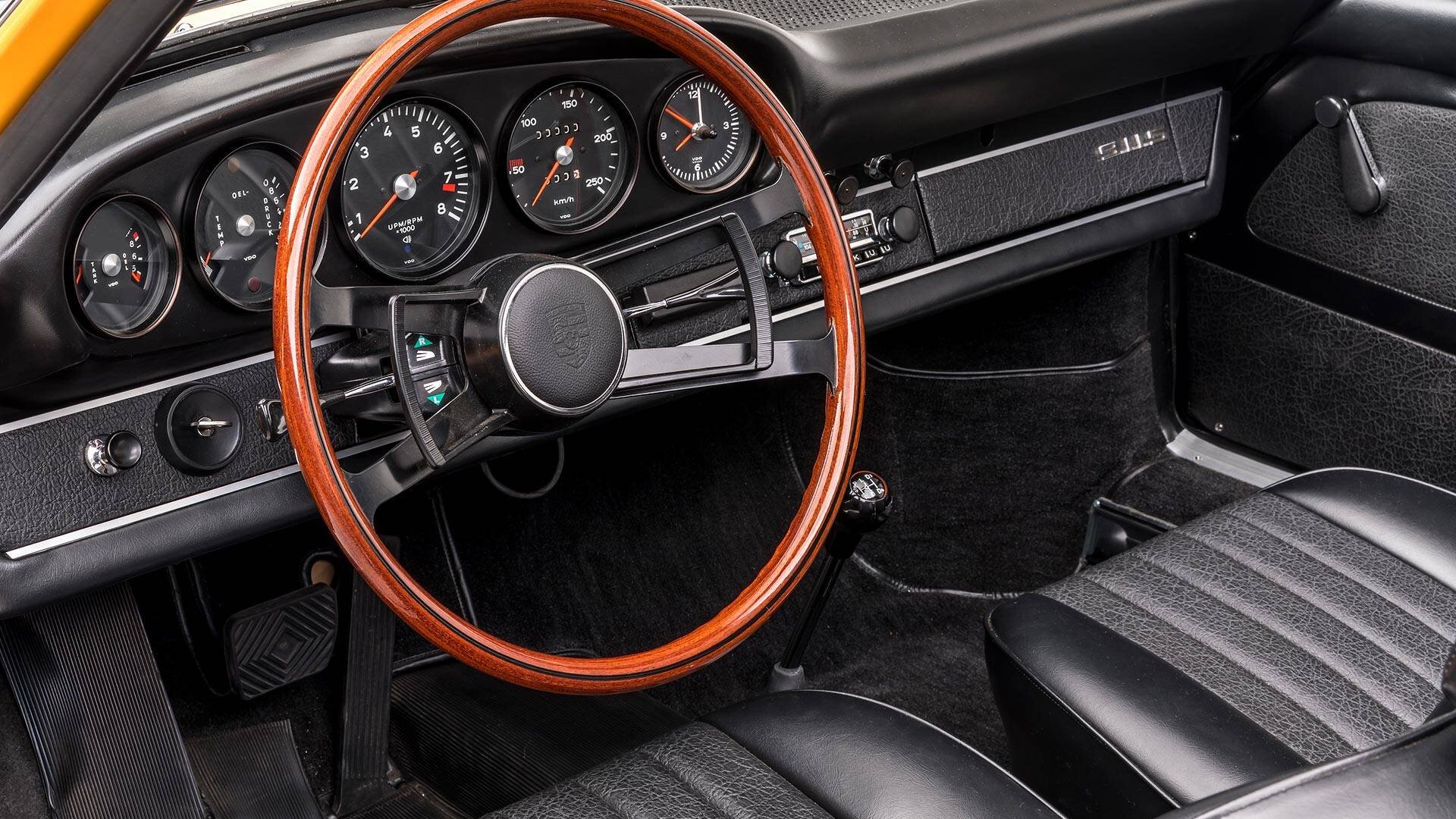 1968-porsche-911-s-softwindow-targa-sportomatic (7).jpg