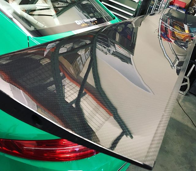 We are all still working very hard!! Get ready for some exciting news to come!!! #savvyllc #savvyporsche #porsche #carbon #wing #aero