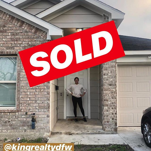 Be on the lookout for our first episode of 2019 featuring Courtney King of King Realty @kingrealtydfw!  Any of your home buying/selling needs can be accomplished with King Realty. They have an extensive list of other realty services as well. Check them out! • • #connected #dallas #networking #blackness #blogger #influencers #blog #vlog #blackgirlmagic #natural #influencer #people #influence #millennials #vloggers #moves #gettogether #dallastexas #summer #blacks #social #blackprofessionals #culture #blackexcellence #socialize #blackdallas • •