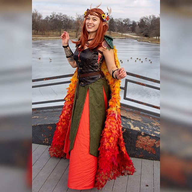 Had my first cosplay photoshoot over the weekend as Keyleth from #CriticalRole and I could not be more excited about these photos! For more of my cosplay work, check out @shiieldmaidencosplay! . . . 📸: @1snowflakestudios Squire/handmaiden: @tstarpanda