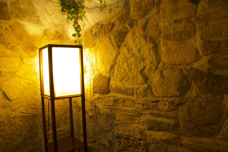 DSC_2724 LAMP LIGHT & STONE!!! 1500. copy.jpg