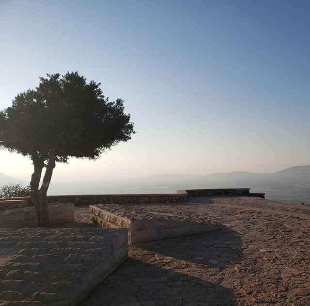 6am run up Mt Precipice #nofilter #sunrise #Nazareth