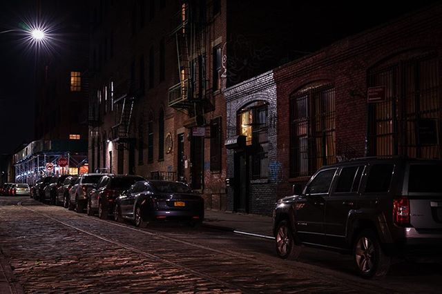 Belgian blocks of #dumbo #brooklyn #urbanphotography #urbanandstreet #createtoexplore #exploretocreate #imaginatones #moodygrams #nightcity #sonyalpha #nycphotographer #icapture_nyc