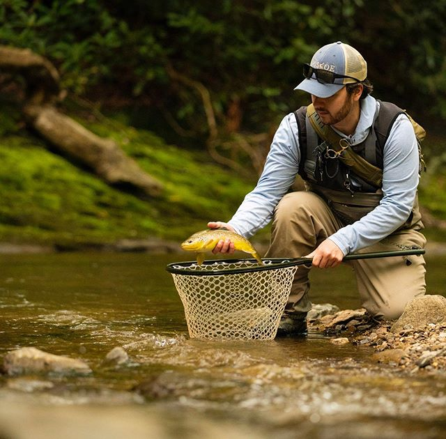 Its always great to spend time with good folks out on the water, especially when there's a little catching to go with the fishing! #orvisflyfishing #freeflyapparel #nconthefly #flyfishnc #boonesflyshop #blueridgeflyfishing #flyfishthesouth #browntrout #browntroutfishing #browntroutflyfishing #butteronthefly