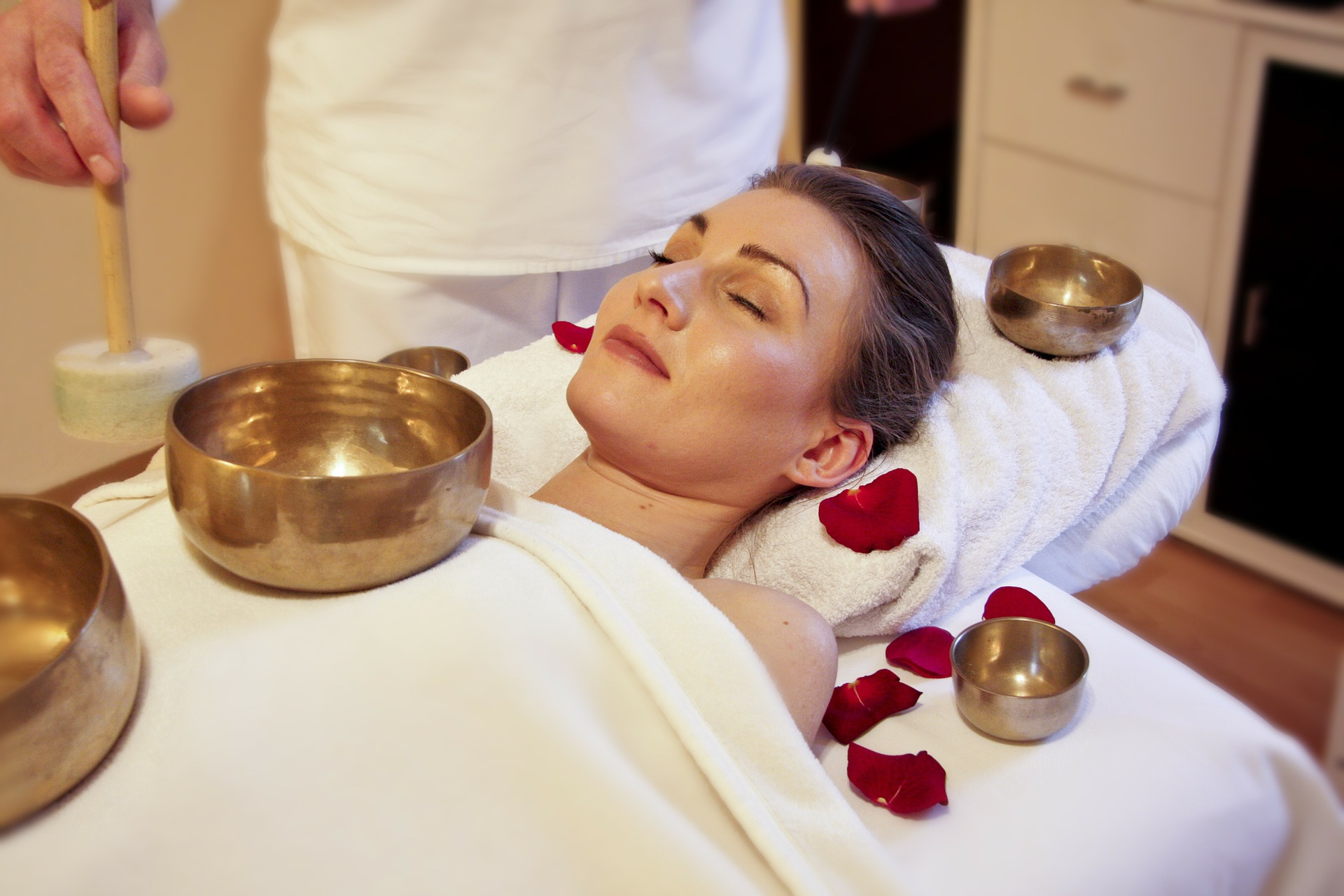wellness-sound-healing-spa-treatment-singing-bowls.jpg
